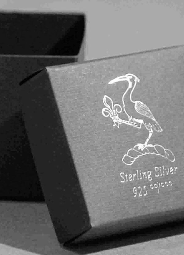 Foto delle scatole per confezioni dello Scatolificio Eugubino - modello Cortina con stampa a caldo