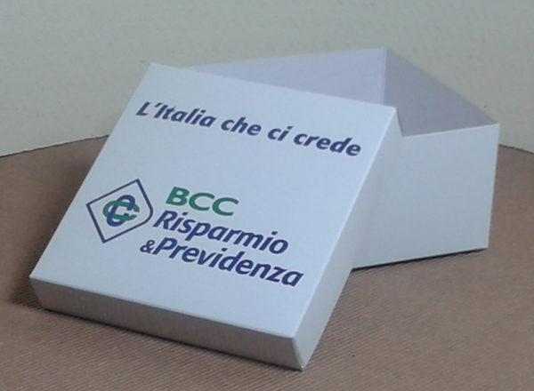 Foto delle scatole per confezioni dello Scatolificio Eugubino - modello Marmotta color Bianco