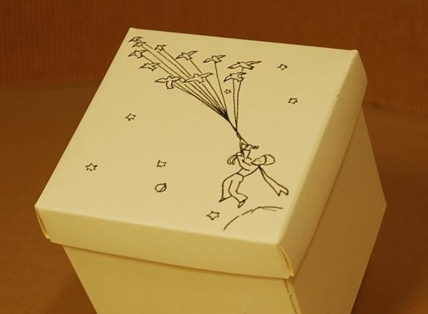 Foto delle scatole per confezioni dello Scatolificio Eugubino - modello Marmotta color Avorio