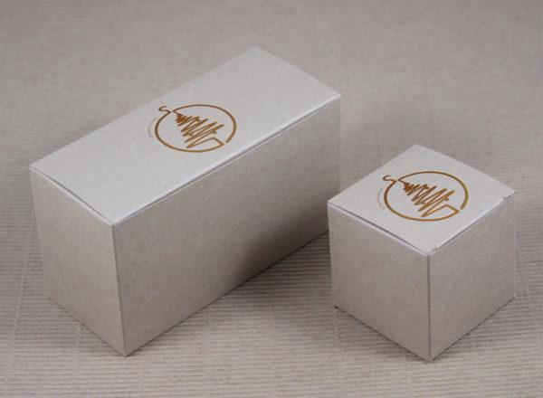 Foto delle scatole per confezioni dello Scatolificio Eugubino - modello Venus Pieghevole color Sabbia