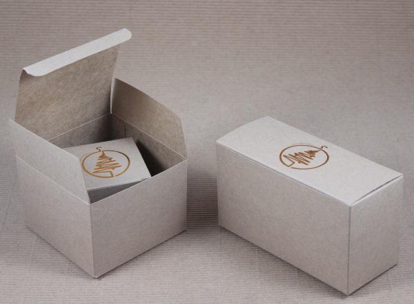 Foto delle scatole per confezioni dello Scatolificio Eugubino - modello Venus Pieghevole color Sabbia (avana)