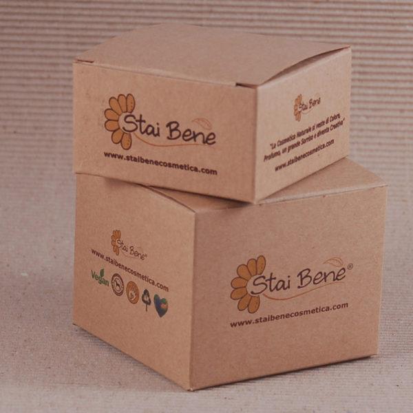 Foto delle scatole per confezioni dello Scatolificio Eugubino - modello Venus Pieghevole color Sabbia (avana) stampate in digitale