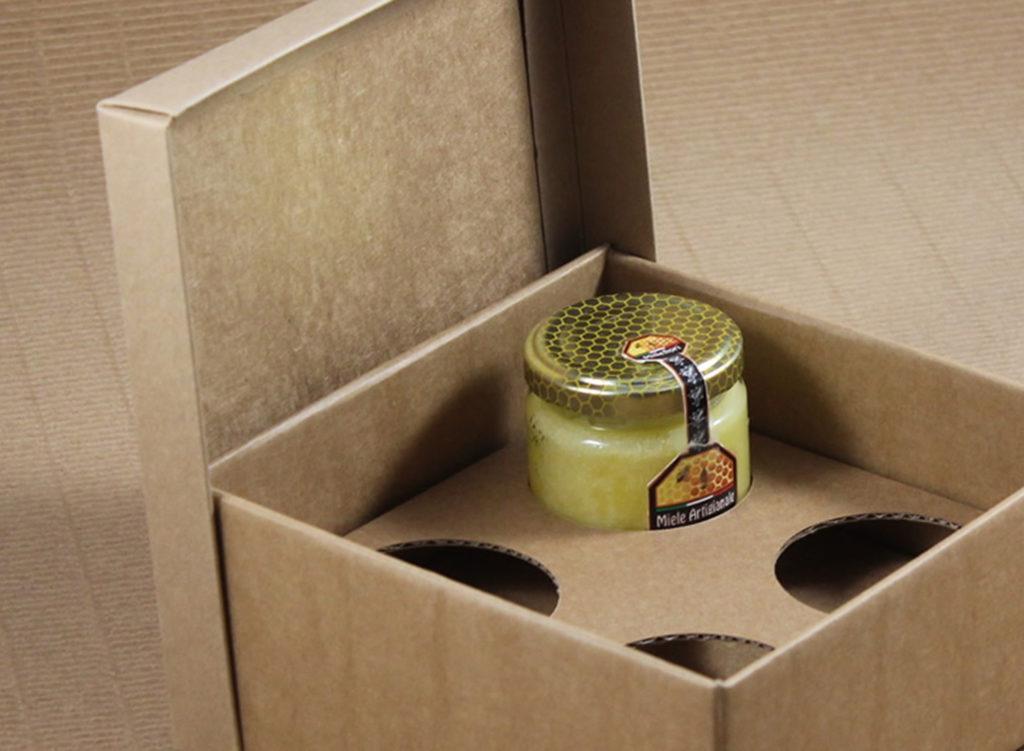 Foto delle scatole per confezioni dello Scatolificio Eugubino - modello Cordoba color Sabbia stampate