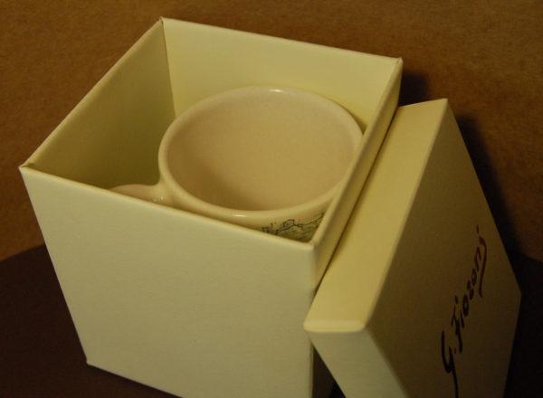 Foto delle scatole per confezioni dello Scatolificio Eugubino - modello Cordoba per tazze in ceramica