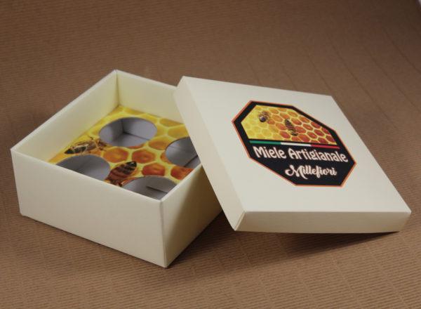 Foto delle scatole per confezioni dello Scatolificio Eugubino - modello Cordoba Miele artigianale