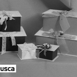 Foto delle scatole per confezioni dello Scatolificio Eugubino - modello Etrusca