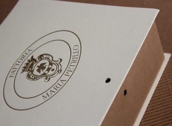 Foto delle scatole per confezioni dello Scatolificio Eugubino - modello Etrusca color Sabbia
