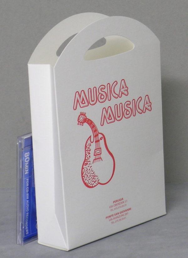 Foto delle scatole per confezioni dello Scatolificio Eugubino - modello Astra, con stampa rosso