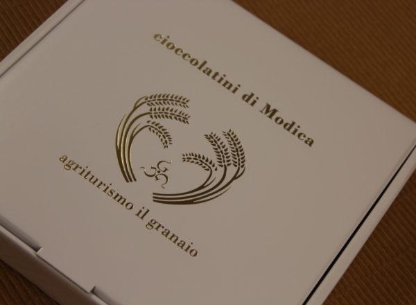 Foto delle scatole per confezioni dello Scatolificio Eugubino - modello Barchetta per cioccolatini