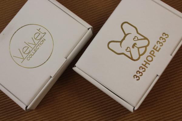 Foto delle scatole per confezioni dello Scatolificio Eugubino - modello Barchetta stampa oro