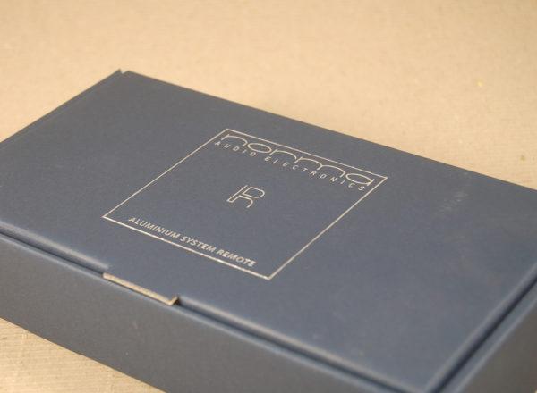 Foto delle scatole per confezioni dello Scatolificio Eugubino - modello Barchetta in Blu stampata Argento