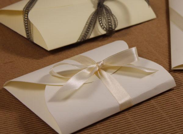 Foto delle scatole per confezioni dello Scatolificio Eugubino - modello Cortina color Bianco Neve