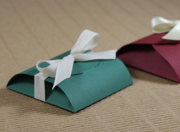 Foto delle scatole per confezioni dello Scatolificio Eugubino - modello Cortina color Verde