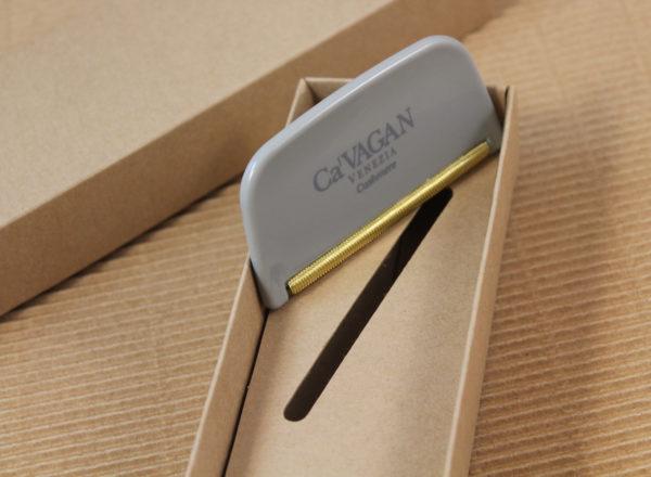 Foto delle scatole per confezioni dello Scatolificio Eugubino - modello Marmotta Doppia Parete color Sabbia